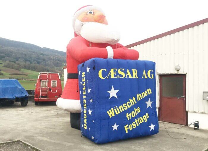 Weihnachtsmann aufblasbar 3m hoch